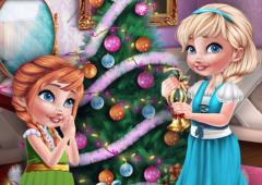 Anna e Elsa e Sua Decoração Natalina
