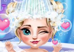 Banho da Elsa Bebê